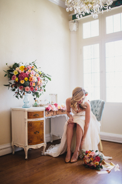 how-to-style-getting-ready-wedding-photos-12