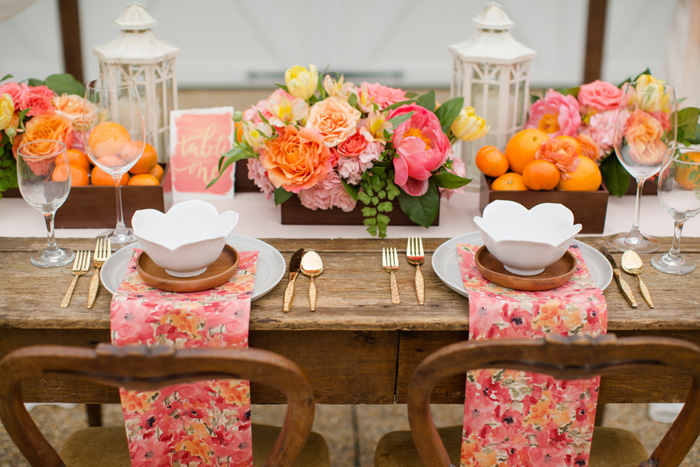 bright-orange-coral-pink-citrus-wedding-ideas-11