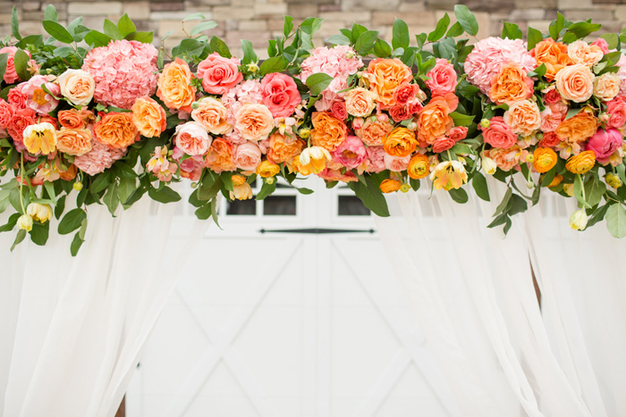 bright-orange-coral-pink-citrus-wedding-ideas-12