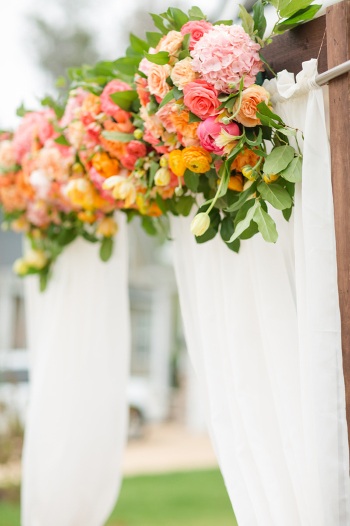 bright-orange-coral-pink-citrus-wedding-ideas-7