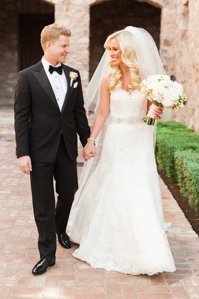 pink-gold-sequin-glam-silverleaf-club-scottsdale-arizona-wedding-10