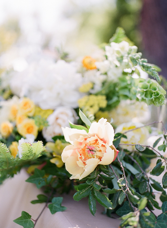 yellow-wedding-ideas-ALT-Flowers-Jill&Co-Wedding-12
