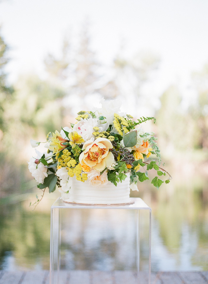 yellow-wedding-ideas-ALT-Flowers-Jill&Co-Wedding-17