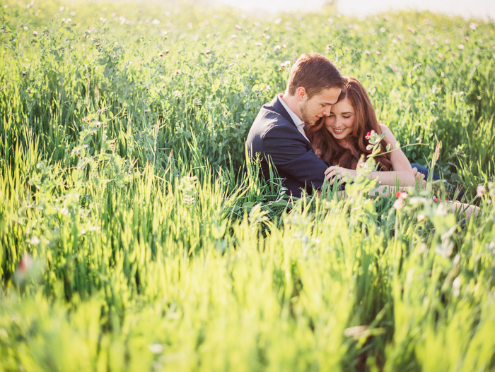 bright-spring-floral-field-engagement-5