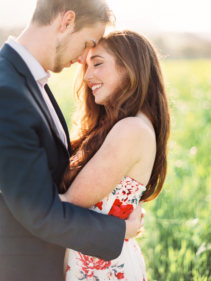 bright-spring-floral-field-engagement-7