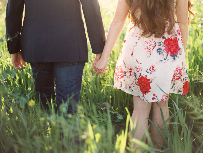bright-spring-floral-field-engagement-9