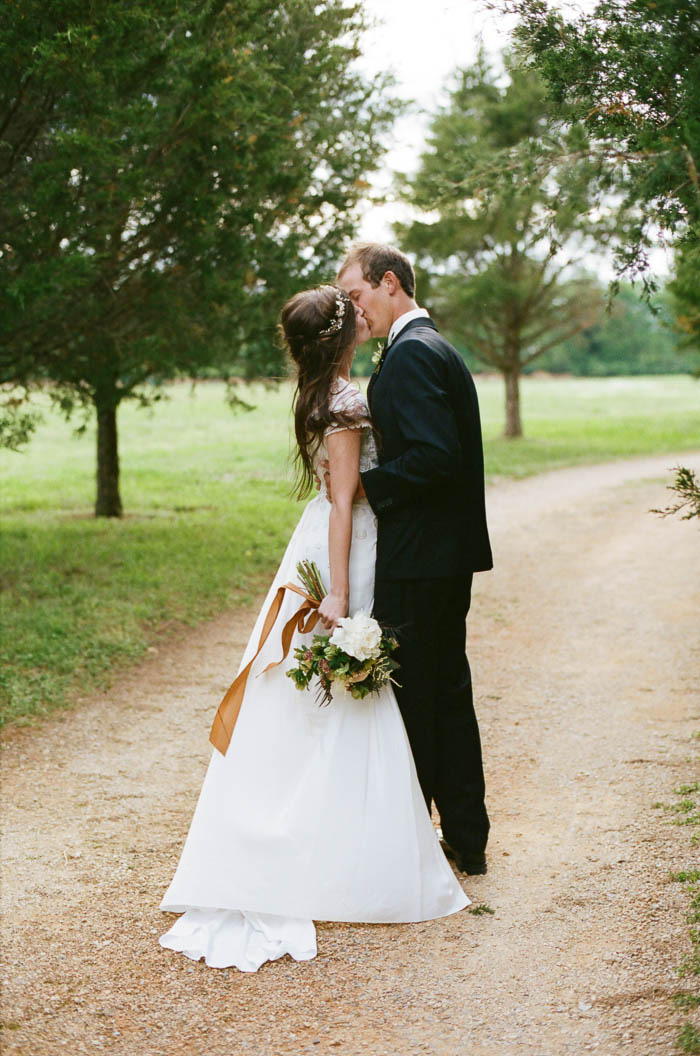 carnton_plantation-romantic-purple-wedding-ideas-4