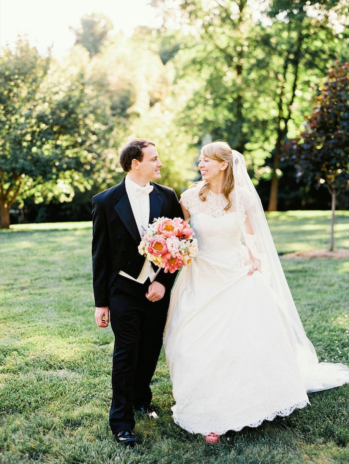 the-graylyn-estate-pale-blue-pink-wedding-perry-vaile-6