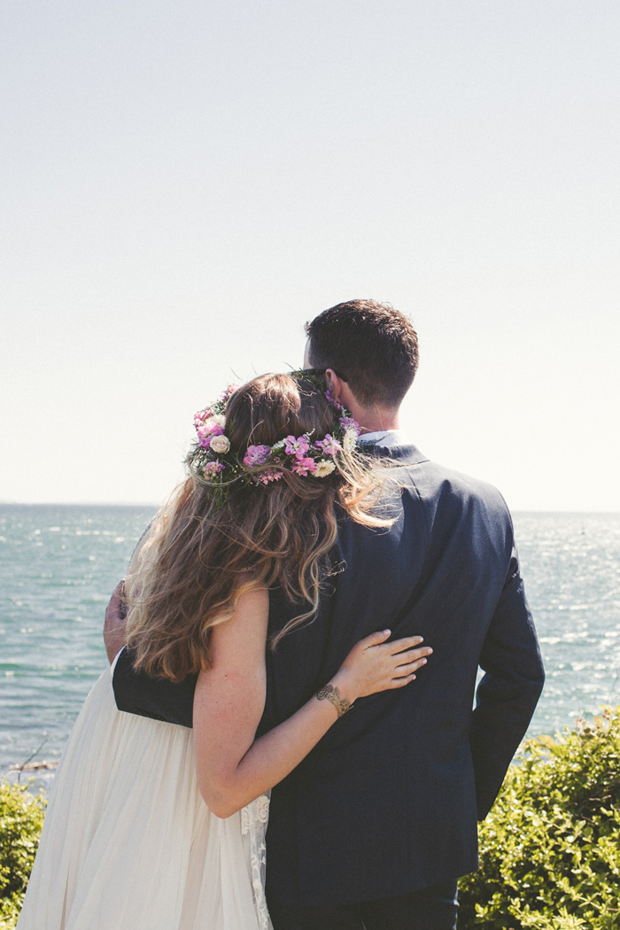 cape-cod-sophr-gardens-indie-boho-sequin-wedding-15