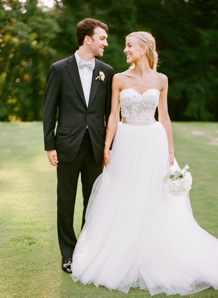 chapel-hill-country-club-white-blush-glam-estate-wedding-1