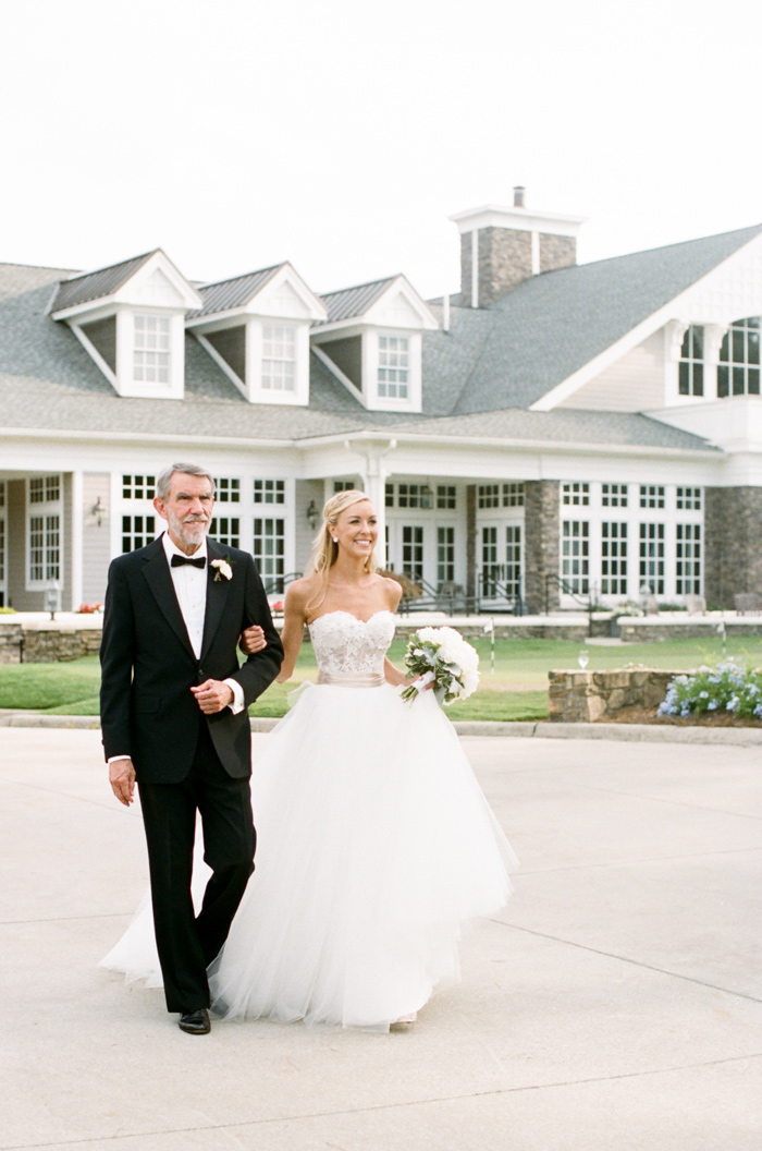 chapel-hill-country-club-white-blush-glam-estate-wedding-11