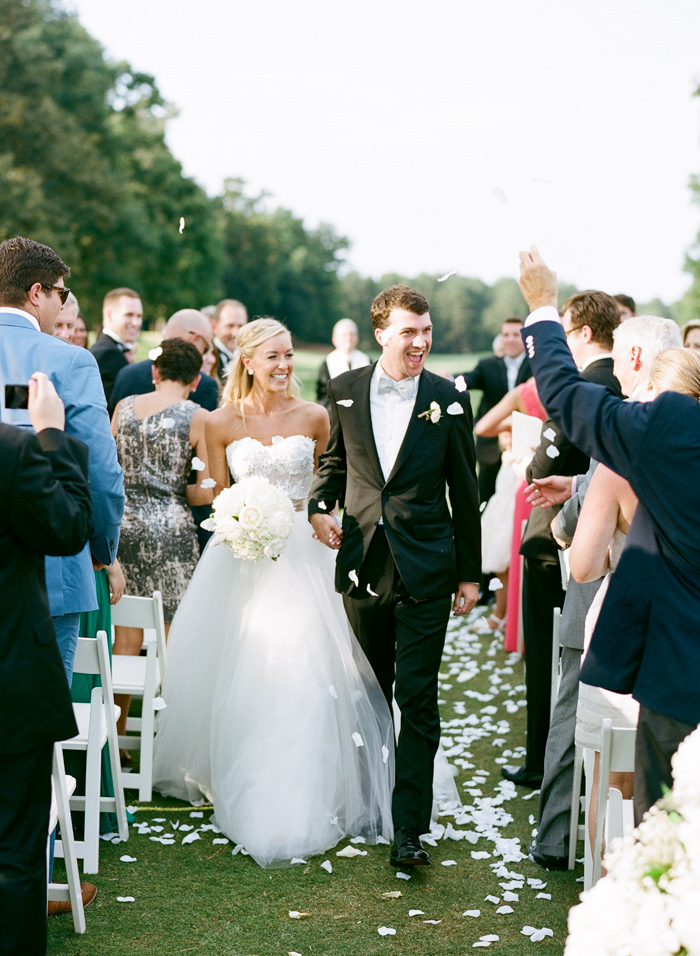 chapel-hill-country-club-white-blush-glam-estate-wedding-14