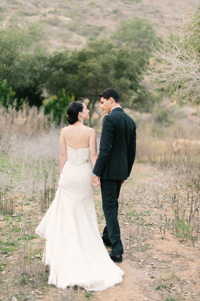 pala-mesa-resort-vintage-modern-black-white-wedding-13