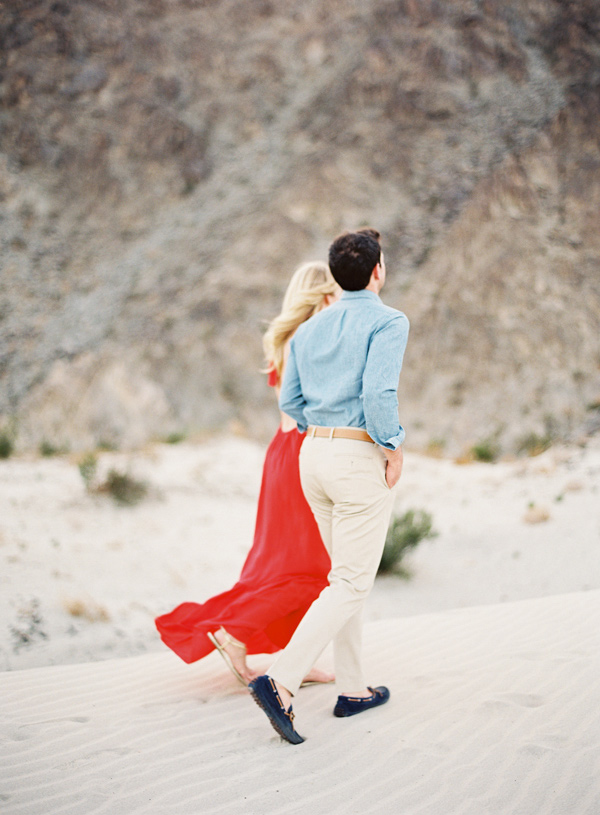 stylish-beach-engagement-4
