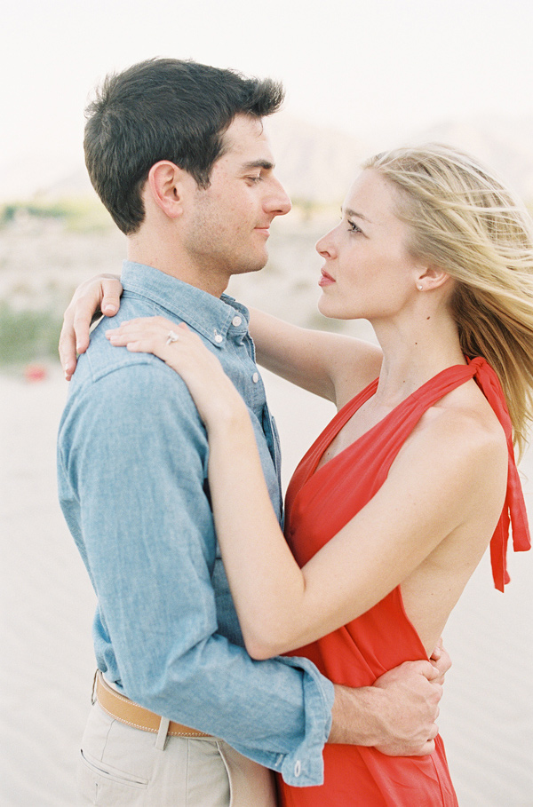 stylish-beach-engagement-5