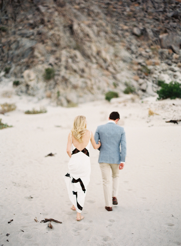 stylish-beach-engagement-8