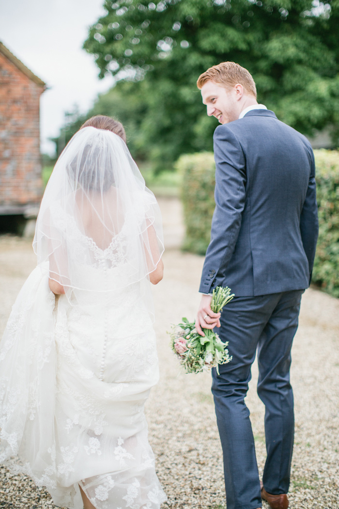 templars-barn-berkshire-england-rustic-country-diy-wedding-18