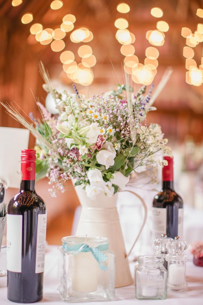 templars-barn-berkshire-england-rustic-country-diy-wedding-22