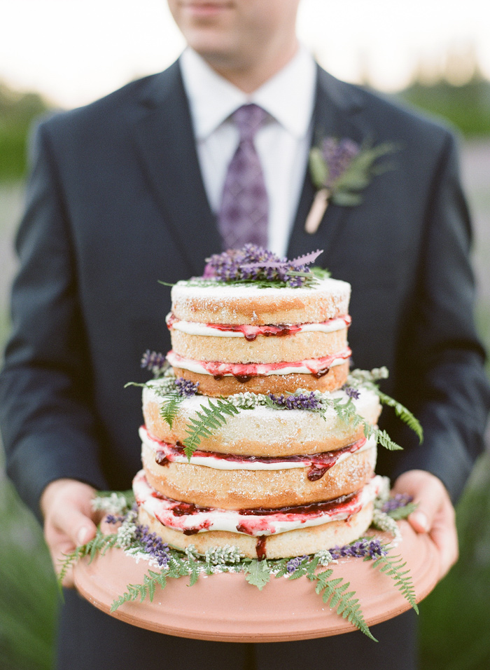woodinville-lavender-farm-seattle-purple-wedding-14
