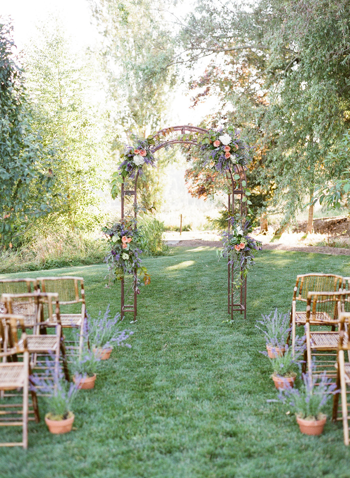 woodinville-lavender-farm-seattle-purple-wedding-3