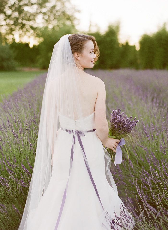 woodinville-lavender-farm-seattle-purple-wedding-4
