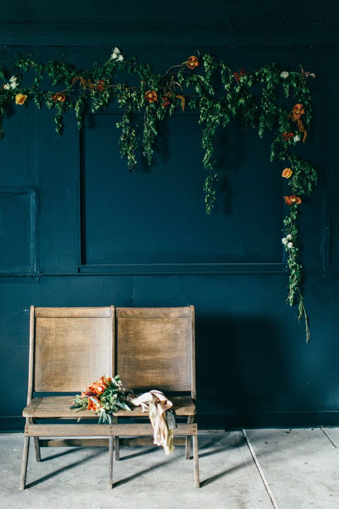 fall-black-gold-wedding-inspiration-ideas-1