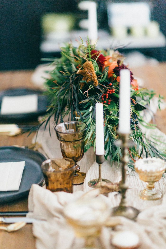 fall-black-gold-wedding-inspiration-ideas-6