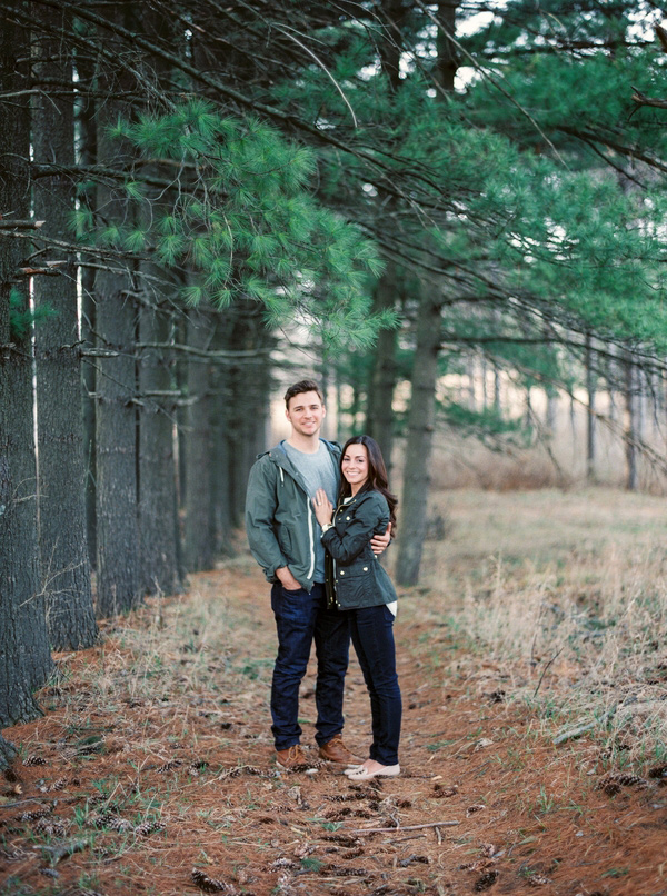 fall-engagement-session-in-the-woods-11
