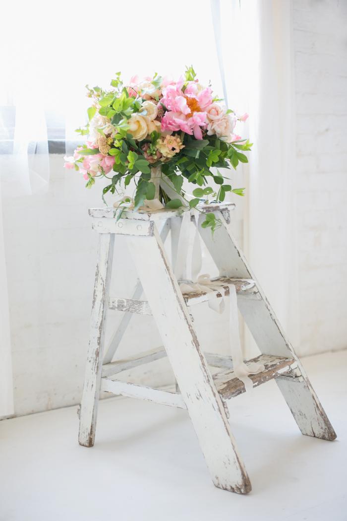 Lexi_Vornberg-floral-verde-peonies-pink-bridal-bouquet-10