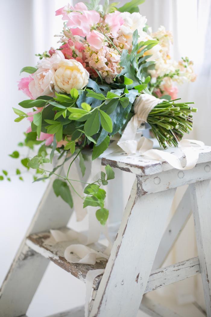 Lexi_Vornberg-floral-verde-peonies-pink-bridal-bouquet-15
