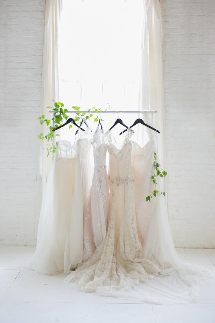 Lexi_Vornberg-floral-verde-peonies-pink-bridal-bouquet-2