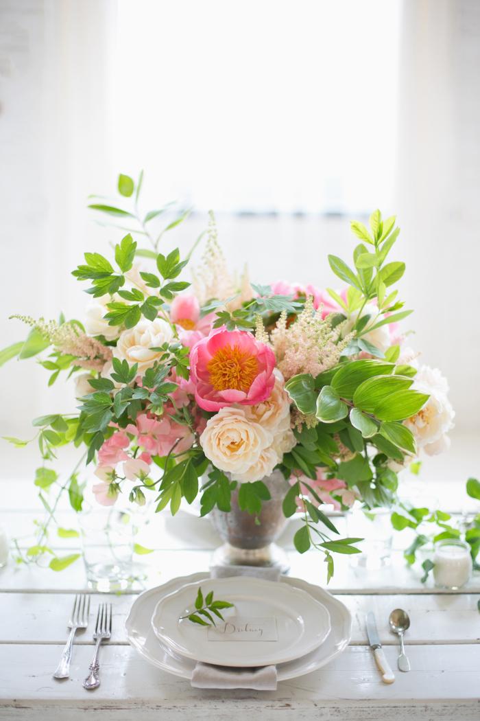 Lexi_Vornberg-floral-verde-peonies-pink-bridal-bouquet-3