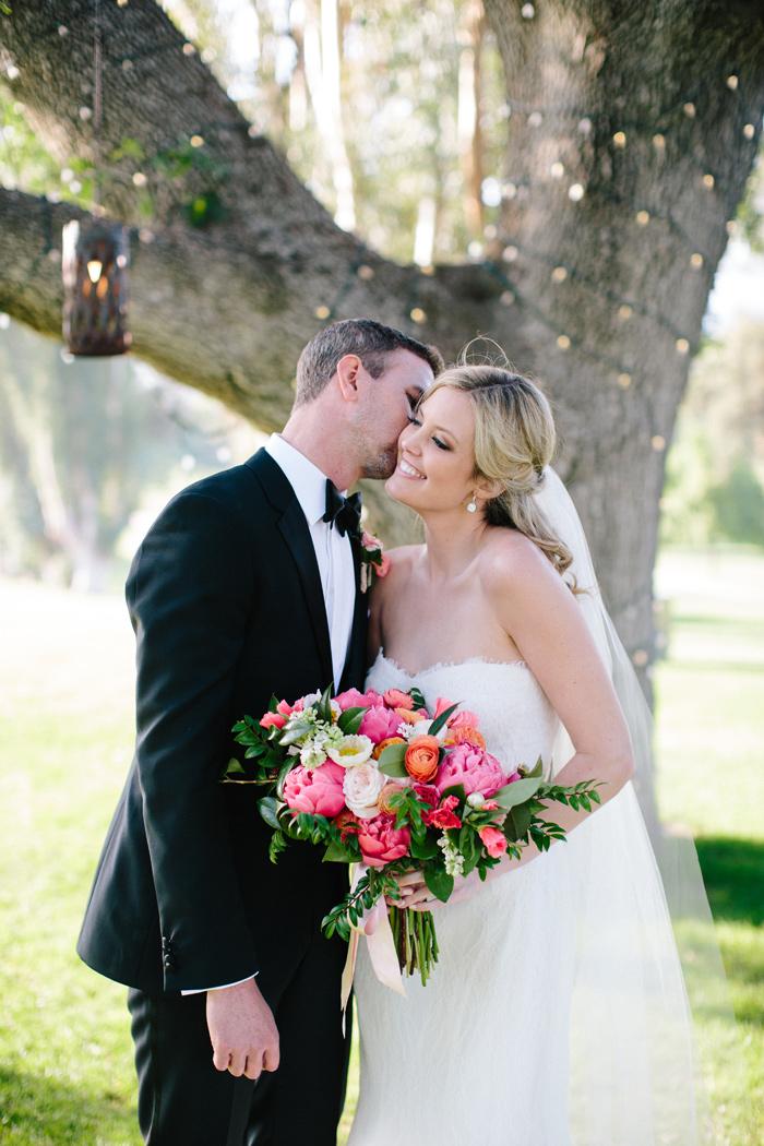 ojai-valley-inn-orange-pink-citrus-wedding-peonies-16
