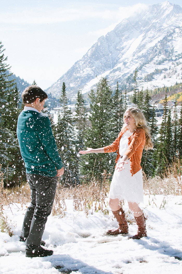 snowy-fall-engagement-5