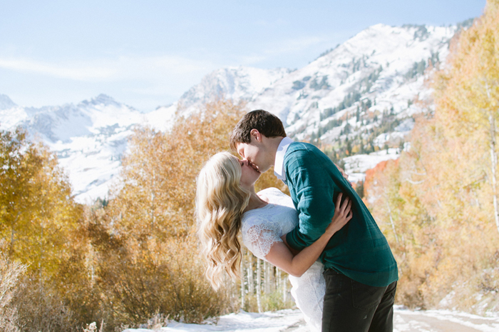 snowy-fall-engagement-7