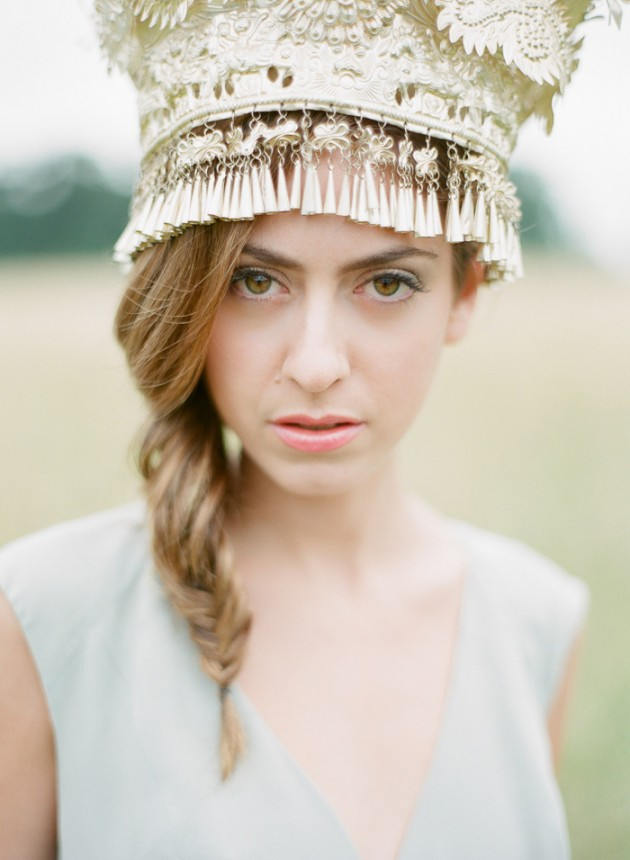 Wedding Blog Nature Queen and Her Antique French Bridal Crown