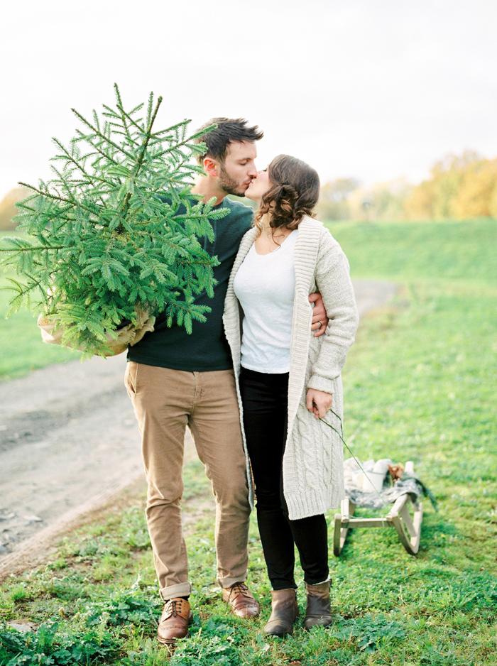 christmas-proposal-mrs-box-vintage-french-velvet-ring-box-engagement-gift-21