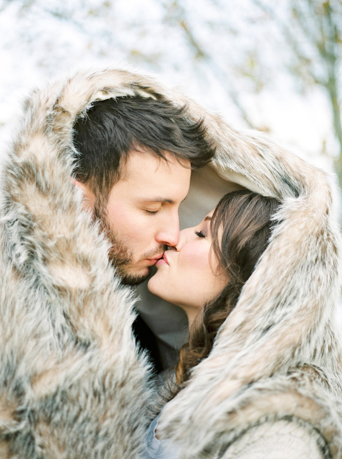 christmas-proposal-mrs-box-vintage-french-velvet-ring-box-engagement-gift-25