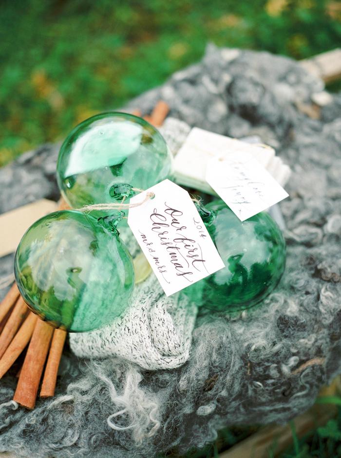 christmas-proposal-mrs-box-vintage-french-velvet-ring-box-engagement-gift-3