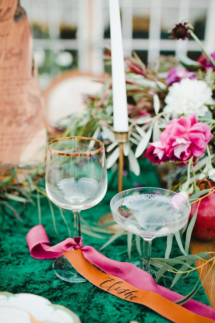 glam-holiday-wedding-ideas-inspiration-13