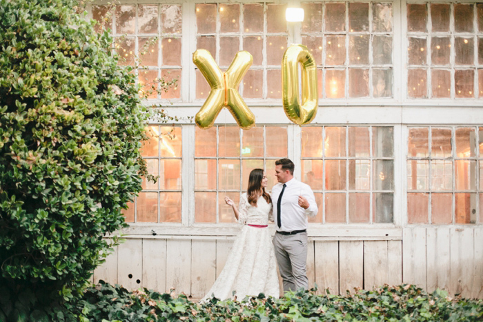 glam-holiday-wedding-ideas-inspiration-15