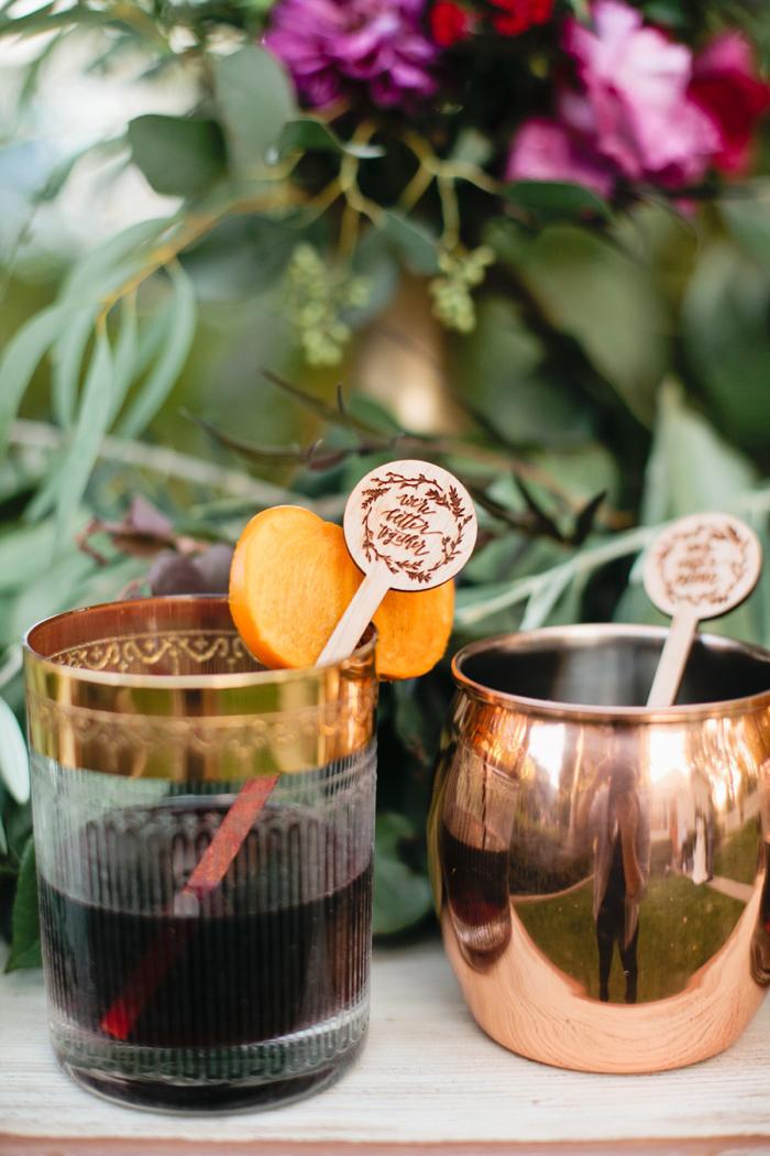 glam-holiday-wedding-ideas-inspiration-7