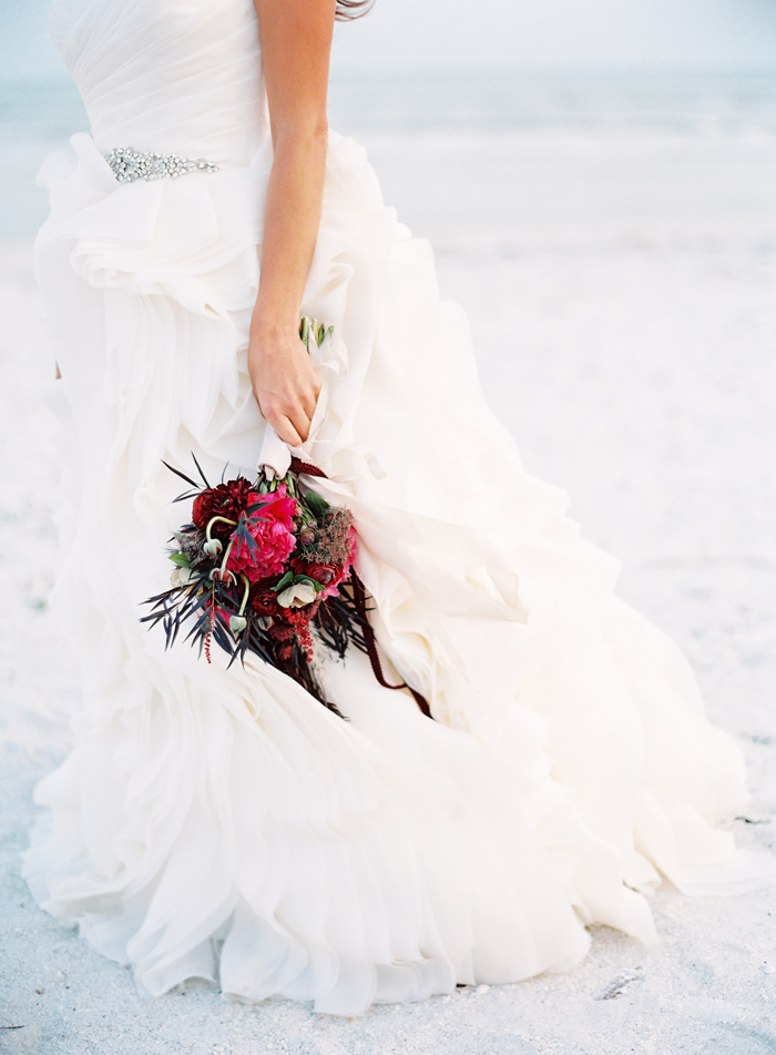 holiday-tuscan-fig-inspired-beach-wedding-cody-hunter-photography-12