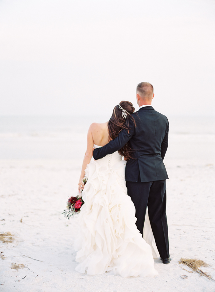 holiday-tuscan-fig-inspired-beach-wedding-cody-hunter-photography-15