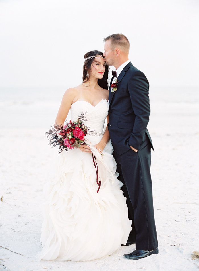 holiday-tuscan-fig-inspired-beach-wedding-cody-hunter-photography-3