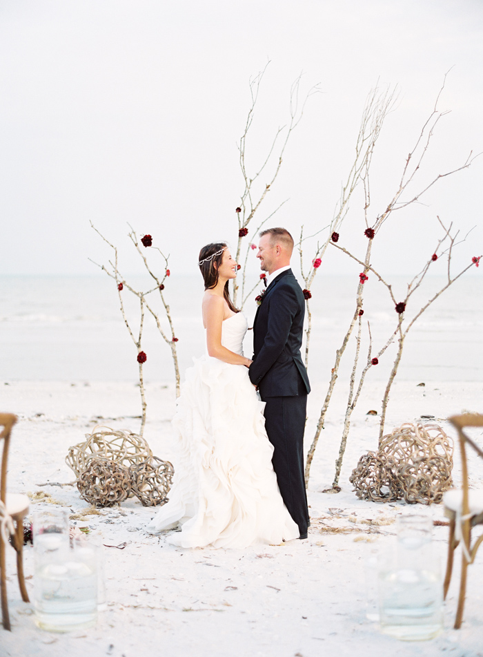 holiday-tuscan-fig-inspired-beach-wedding-cody-hunter-photography-8