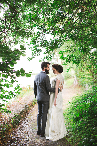 irish-purple-mustard-yellow-grey-fall-spring-wedding-inspiration-2