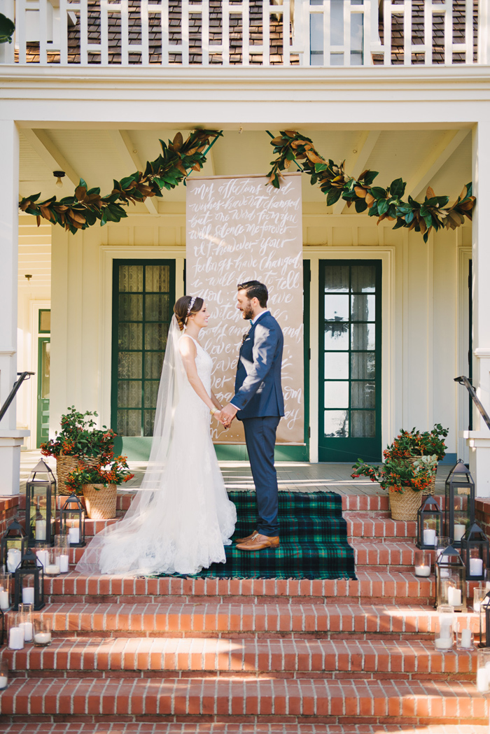 winter-english-hunt-wedding-inspiration-plaid-tartan-red-holiday-ideas-10
