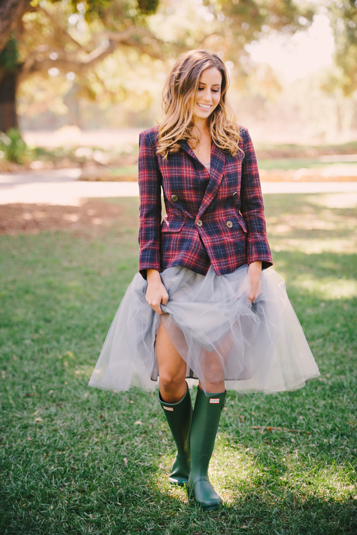 winter-english-hunt-wedding-inspiration-plaid-tartan-red-holiday-ideas-13