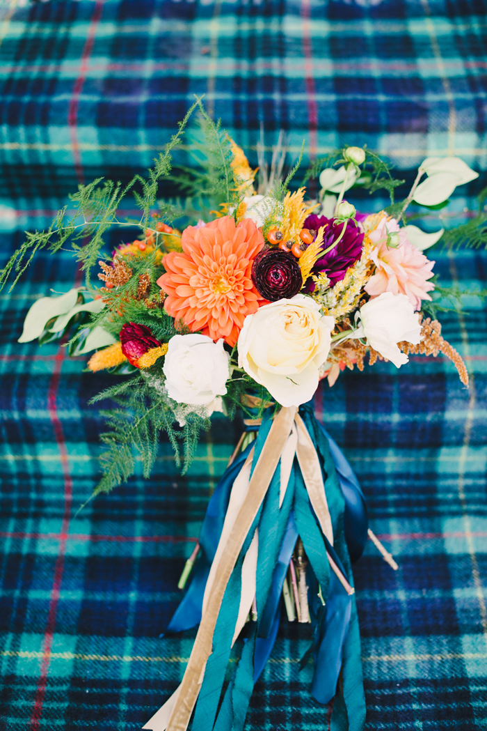 winter-english-hunt-wedding-inspiration-plaid-tartan-red-holiday-ideas-7